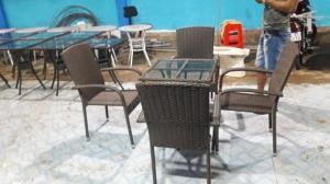 thanh lý bàn ghế cafe số lượng lớn