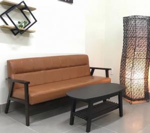 Ghế sofa 3 chỗ ngồi pvc HW149 - HOMEWORLD