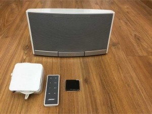 bán Bose sounddock portable như mới