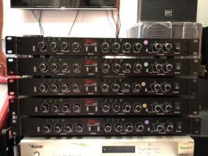 Máy nâng tiếng hát IDOL IP-100, IDOL IP-200II