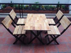 Bàn ghế xếp sắt ốp gỗ giá rẻ tại xưởng sản xuất