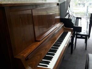 Piano Yamaha W101-102-106