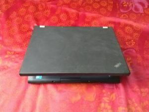 Máy laptop i5 intel Lenovo kèm phần mềm kế toán có bản quyền