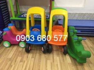 Cần bán xe chòi chân ô tô giá rẻ, an toàn, chất lượng cao cho bé
