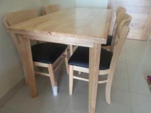 Bàn ghế ăn 05