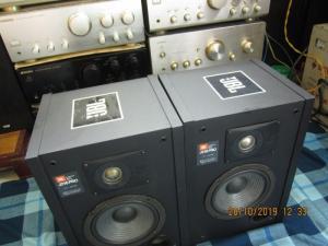 LOA JBL J216 PRO