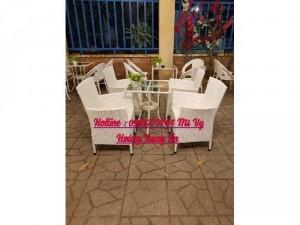 Bàn ghế cafe sân vườn ghế mây màu trắng