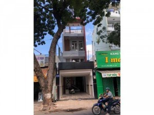 Cần bán căn nhà MTKD sầm uất đường Lạc Long...