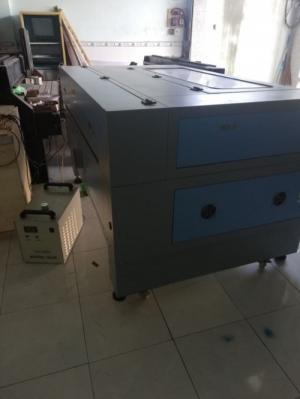 Máy laser 1390 cũ chuyên cắt quảng cáo