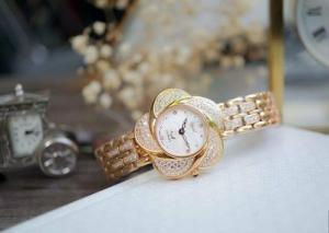 Đồng hồ nữ Ogival OG380-39DLR – Sự mềm mại của thép
