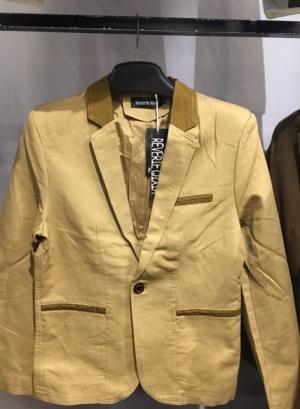 2019-11-14 13:38:49  20  Chuyên sỉ lẻ áo vest kaki,áo vest nhung body hàn quốc.sỉ từ 10 áo 549,000