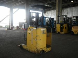 Xe nâng điện KOMATSU xe nâng điện đứng lái 1 tấn