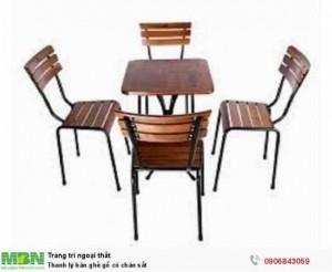 Thanh lý bàn ghế gỗ có chân sắt