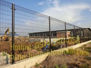 Hàng rào lưới thép hàn Toàn Tâm