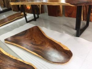 Bàn gỗ me tây nguyên tấm D155 x R 40-60-100cm