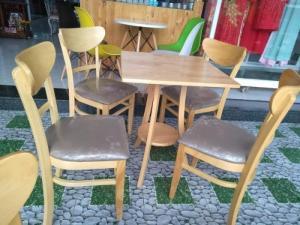 Bàn ghế cafe cabin mặt trăng giá rẻ