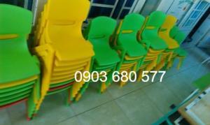 Cần bán ghế nhựa đúc dành cho trẻ em mầm non