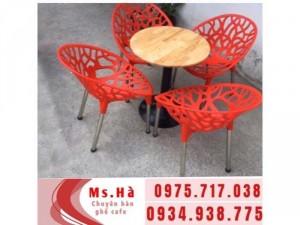 Bàn ghế cafe hoa văn nhựa giá rẻ