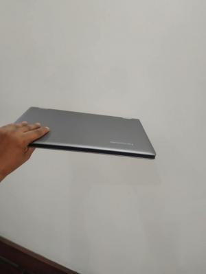 Laptop Lenovo Yoga 13 / Tablet / Nhỏ gọn / USA