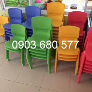 Cần bán ghế nhựa đúc trẻ em cho trường mầm non, lớp mẫu giáo, gia đình