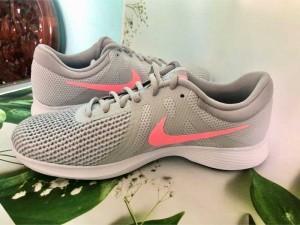 bán đôi Nike của nữ hàng auth