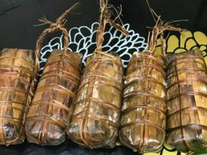 Đặt bánh tét Trà Cuôn ngon tại  TPHCM - bánh tét đậu xanh Suong's House