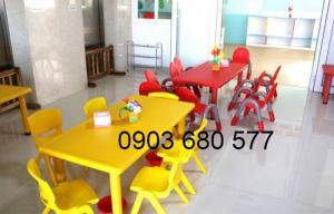 Nơi bán bàn nhựa hình chữ nhật cho trẻ em mầm non giá ƯU ĐÃI