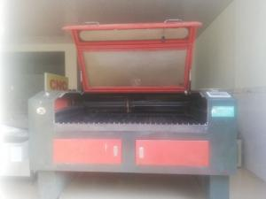 Bán máy laser cũ 1280 cắt mica gỗ