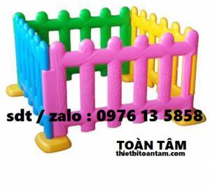 Hàng Rào Nhựa Mầm Non - thiết bị mầm non giá rẻ - hàng rào nhập khẩu mầm non