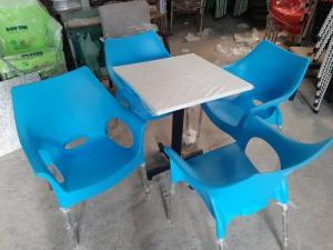 Ghế nhựa đúc chân nhôm giá rẻ