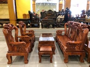 Bộ bàn ghế phòng khách tay 12 gỗ hương đá mặt liền giá sốc