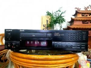 Đầu CD SONY X333ES