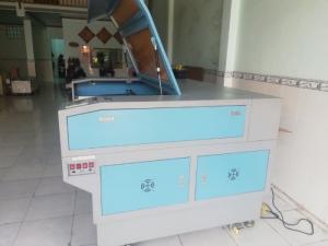 Máy Laser 1390 cắt quảng cáo tại Bình Định