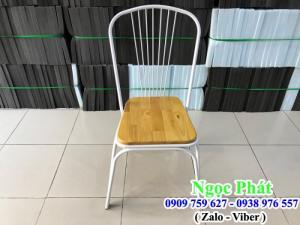 Ghế cafe chân sắt. Ghế cafe. Nệm Ngồi - Bàn Ghế Cafe Ngọc Phát.