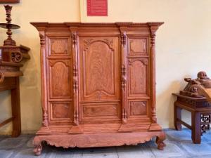 Tủ thờ gỗ hương đa ngang 1,53m vân cực đẹp. uy tín - chất lượng