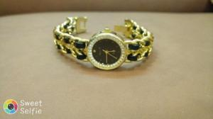 Đồng hồ quartz Nữ cực xinh .