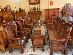 Những bộ bàn ghế gỗ tốt giá rẻ