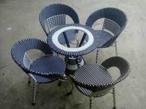 Cần bán 20 bộ ghế nhựa giả mây hàng thanh lý giá rẻ..