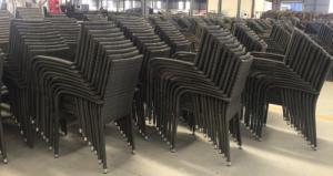 Cần bán gấp 100 ghế nhựa giả mây,hàng rơt công giá rẻ