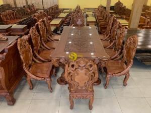 Bộ bàn ăn cổ điển Châu Âu SIÊU SIÊU VIP tại quận 7