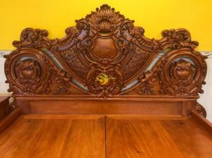 Giường ngủ gỗ nguyên khối VIP