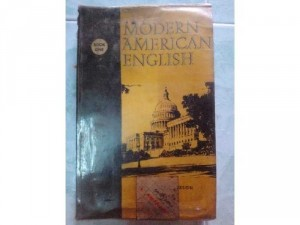 Sách Modern American English XB 1962.