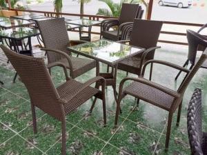 Bàn ghế cafe nhựa giả mây ,ngoài trời,bàn ghế cafe ,bàn ghế sân vườn ,bàn ghế sân vườn