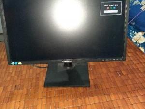 2020-03-27 21:51:59  3  Em có màn hình vi tính xài ngon lành ai 1,200,000