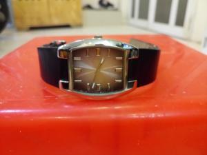 Đồng hồ quartz Nam vuông Nhật .