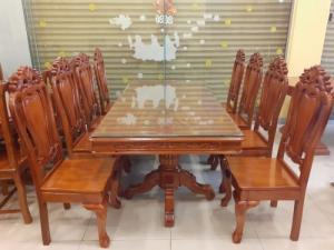 2020-04-02 14:35:27 Giá tốt nhất của bộ bàn ăn 8 ghế gỗ căm xe 20,500,000