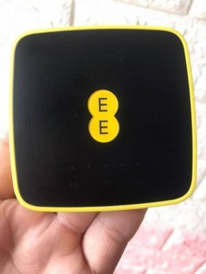 BỘ phát wifi 4G alcatel EE40 hàng pháp, pin 1500mAh, 10user, 150Mbps