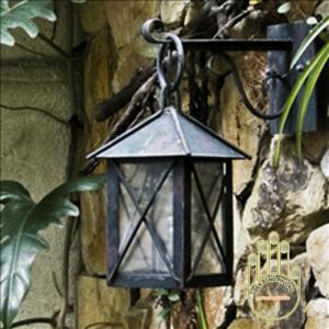 Mẫu đèn trang trí sân vườn Châu Âu đẹp