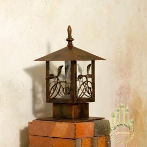 Đèn trụ đứng trang trí sân vườn mẫu đẹp