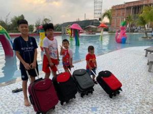 Vali kéo trẻ em - mua vali kéo chỉ 299k vali kéo du lịch TPHCM